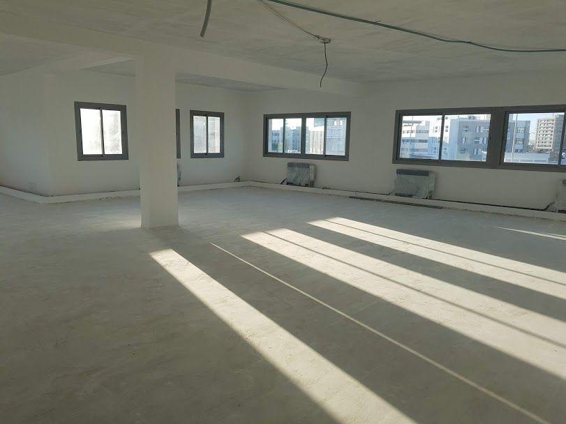 A louer un bureau open space de hs à zone industrielle el kram